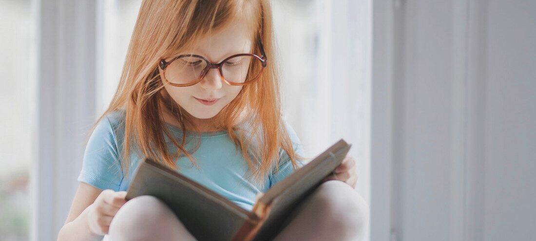 Πώς μια 8χρονη βιβλιοφάγος έγινε viral εν αγνοία της